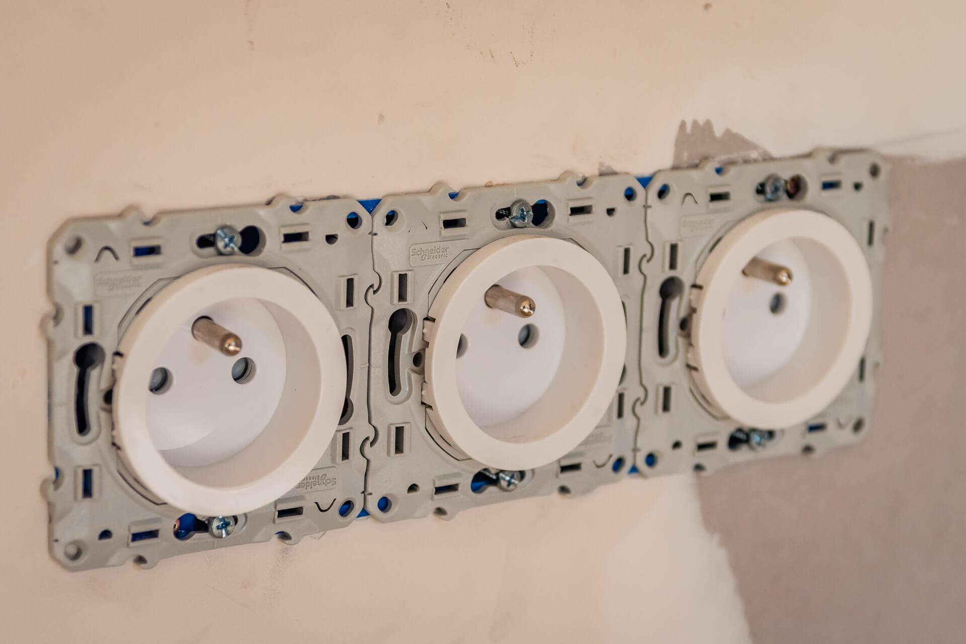 installation de prises électriques